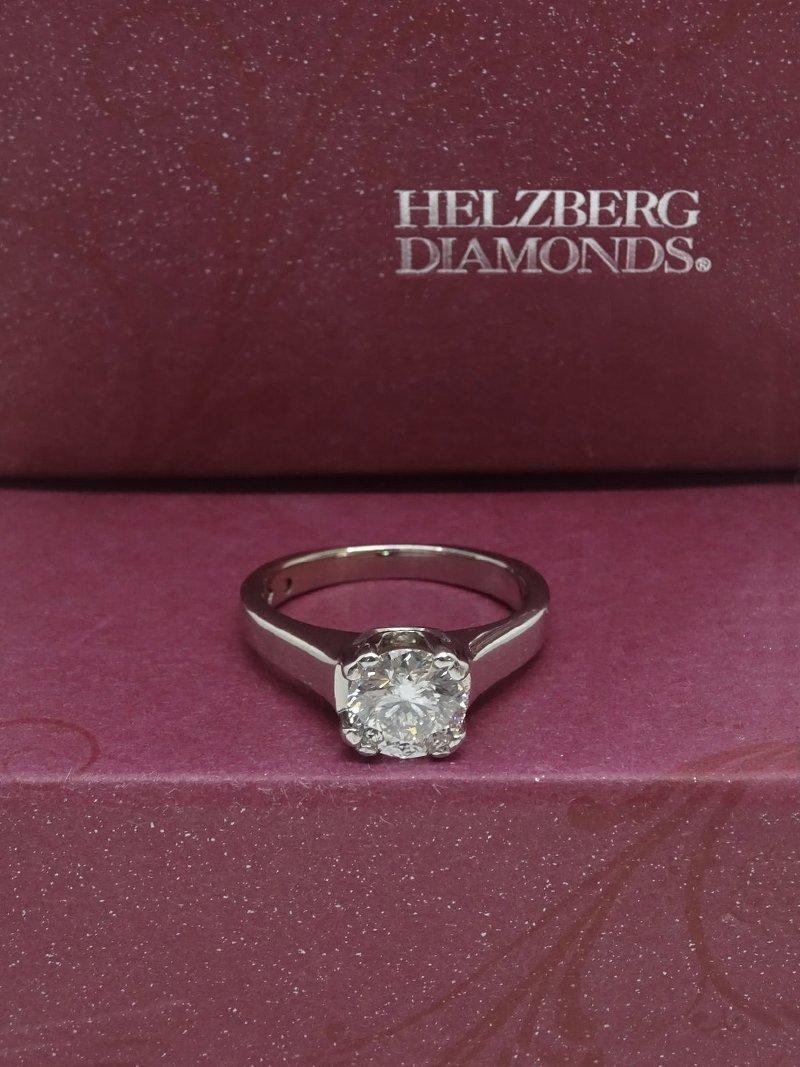Helzberg Diamonds ring
