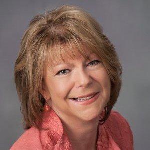 Janet Broll headshot