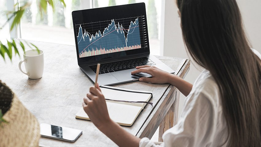 Wpromote marketer analyzing data
